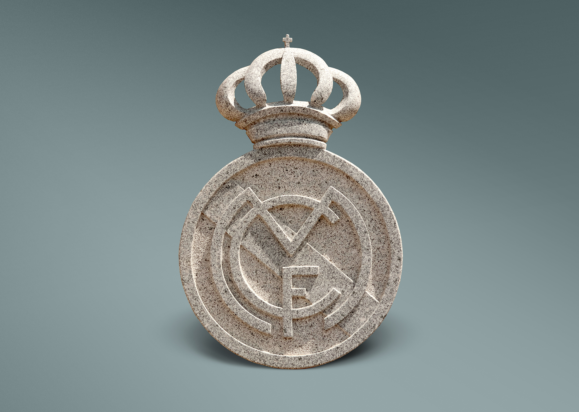 Escudo en granito del Real Madrid
