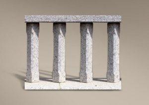 Balaustrada de granito abujardado
