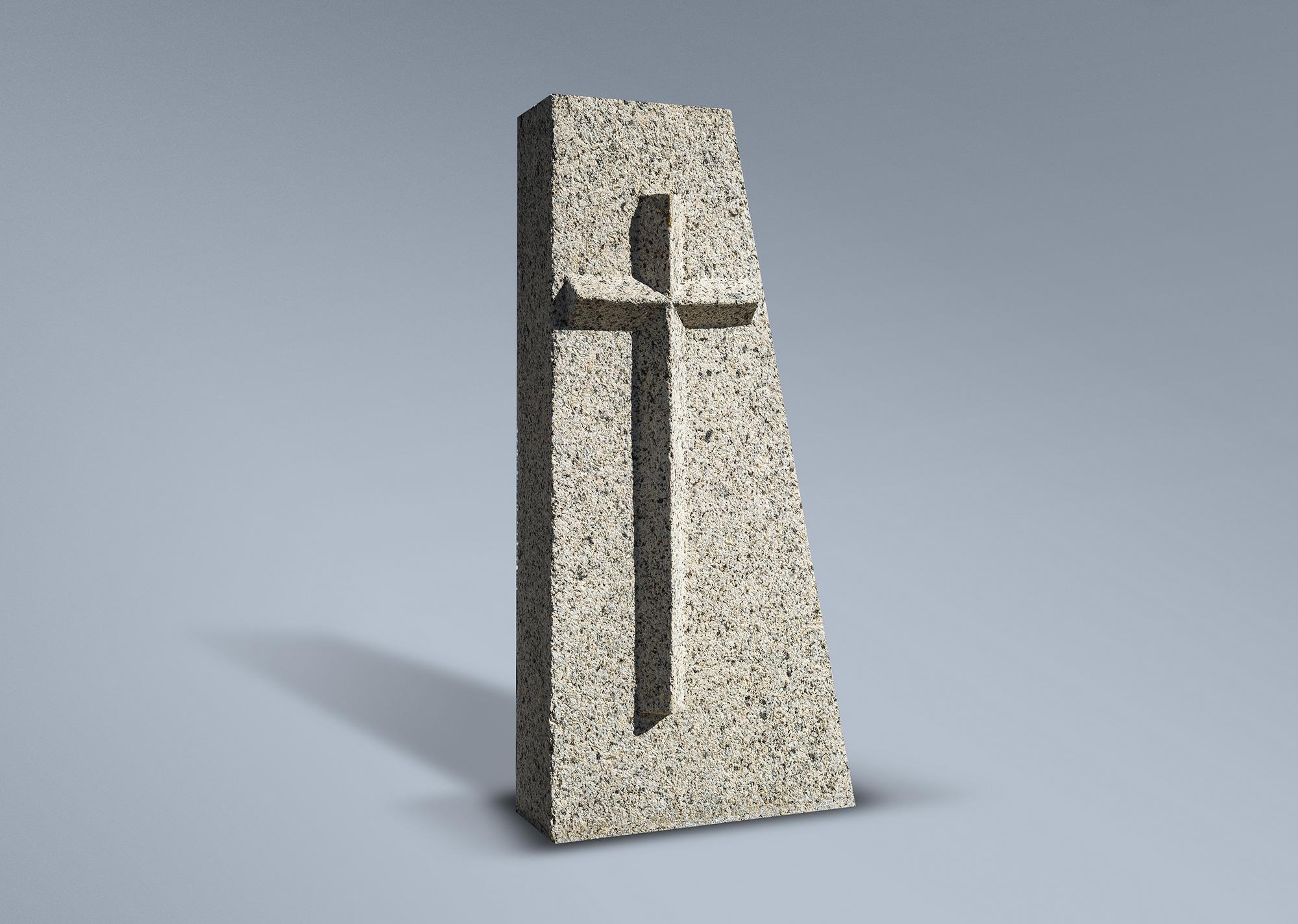 Frente panteón con cruz en relieve