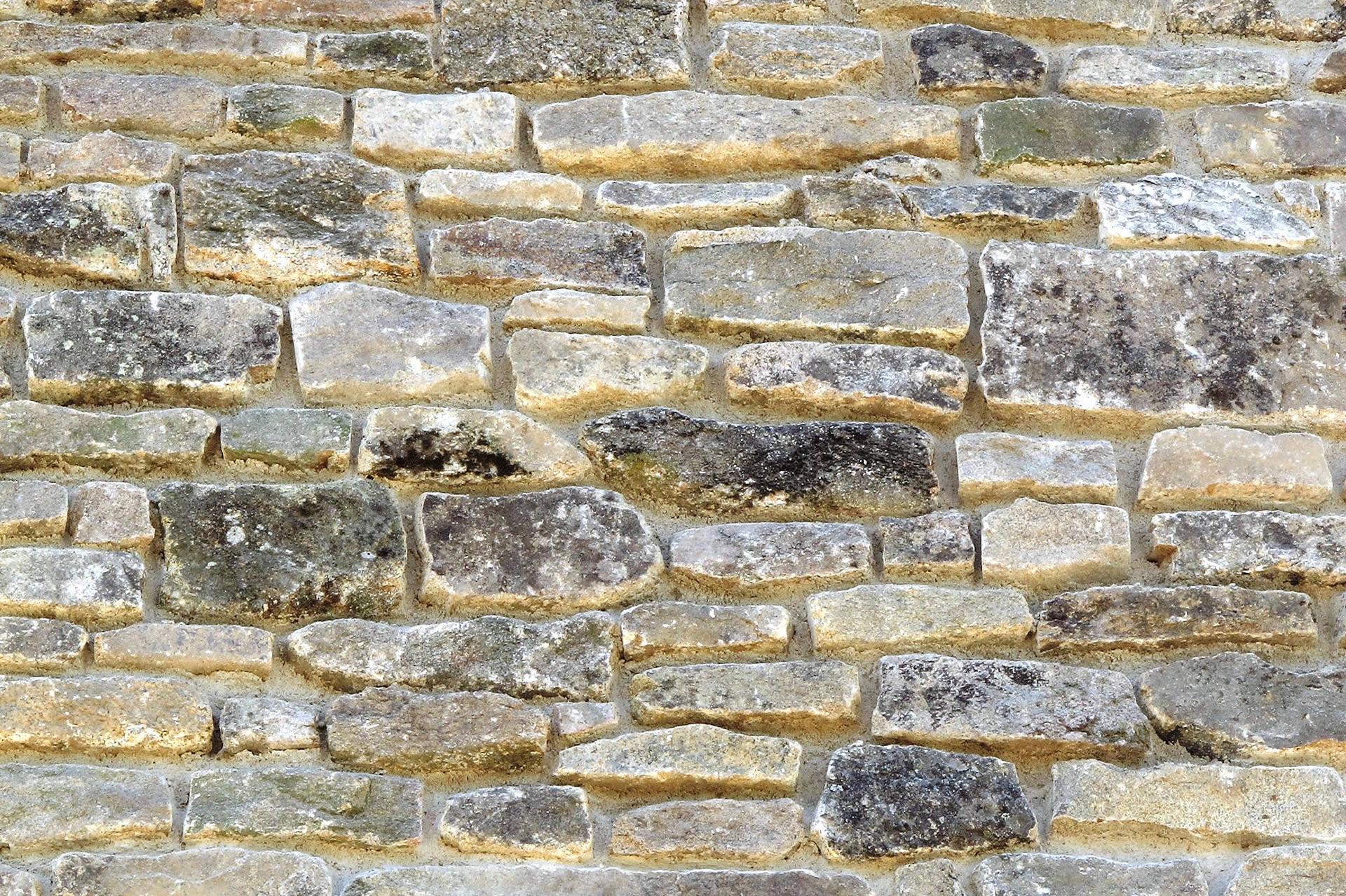 Piedra vieja lajada rejuntada